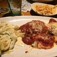 Photo taken at Olive Garden by Jose Miguel B. on 8/6/2015