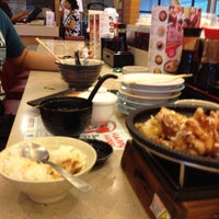 Photo taken at Sushi King by Aimi M. on 2/7/2016
