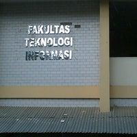 Photo taken at Universitas Atma Jaya Makassar (UAJM) by Farid G. on 2/16/2013