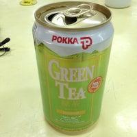 Photo taken at Yong Heng Cafe & Restaurant by Taku 目. on 8/13/2013