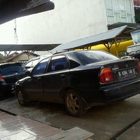 Photo taken at Istana Steam Car Wash by Beta S. on 5/5/2013