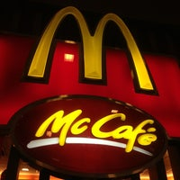 Photo taken at McDonald's / McCafé by Peachie on 2/16/2013