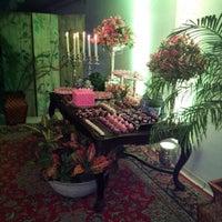 Photo taken at Restaurante Zeppelin by Carlos Roberto D. on 8/10/2013