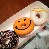 Photo taken at Krispy Kreme by 夕張 め. on 10/20/2013