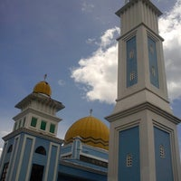 Photo taken at Masjid Al Rahimah Kuala Kubu Bharu by Haizam K. on 2/23/2013