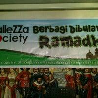 Photo taken at balleZZa by Iam L. on 7/27/2013