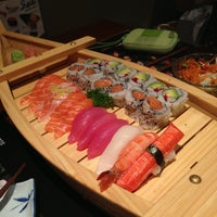 Photo taken at Hinote Sushi by Gabriel C. on 8/29/2013