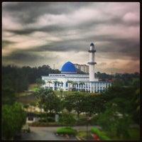 Photo taken at Masjid UNITEN by MEji N. on 2/27/2013