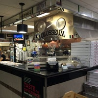Photo taken at Colosseum Pizza by Jong Hwan K. on 8/9/2015