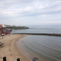Photo taken at Cullercoats Beach by Jor V. on 5/31/2014