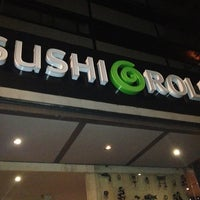 Photo taken at Sushi Roll by Mafe R. on 7/4/2013