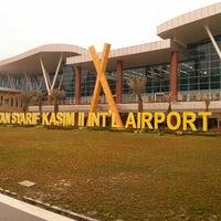 Photo taken at Sultan Syarif Kasim II International Airport (PKU) by Rinaldi A. on 2/2/2013