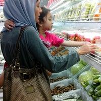 Photo taken at Cherry Fresh Fruit Market by Dias P. on 11/29/2014