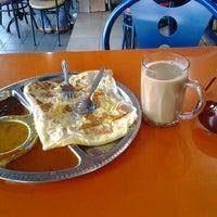 Photo taken at Restoran Nawas Maju by mamat b. on 4/2/2013