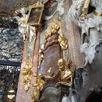 Das Foto wurde bei Asamkirche (St. Johann Nepomuk) von Amanda H. am 10/3/2012 aufgenommen