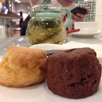 Photo taken at SCONES by Anotai (สโกนส์) by Praew on 1/6/2014