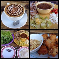 Photo taken at ร้านอาหารเวียดนาม Good Morning Vietnam by supinwan s. on 11/30/2014