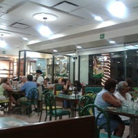 Photo taken at Los Bisquets Bisquets Obregón by Ricardo C. on 4/2/2013