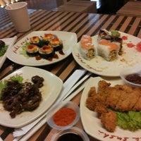Photo taken at Poke Sushi by Reny W. on 2/2/2014