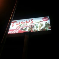 Photo taken at Tacos Richard by Luis on 3/30/2013