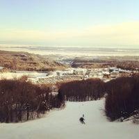 Photo taken at Mont-Sainte-Anne by Samuel H. on 1/28/2012