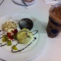Photo taken at Bake Me by Ananya N. on 12/7/2011