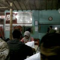 Photo taken at Warung Lesehan Dewi Kahyangan by Heriris B. on 3/26/2011