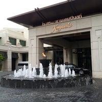Photo taken at Siam Kempinski Hotel Bangkok by Duang S. on 8/1/2012