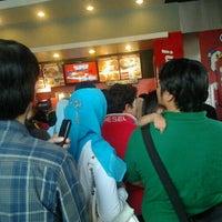 Photo taken at KFC by HerriAbdulkadir on 9/1/2011