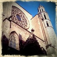 Photo taken at Basílica de Santa Maria del Mar by Clara G. on 3/7/2011