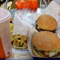 Photo taken at Burger King by Ömer K. on 8/30/2011