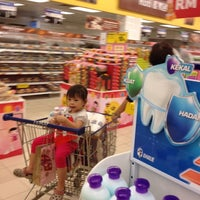Photo taken at Tesco Hypermarket by Ng K. on 8/27/2012