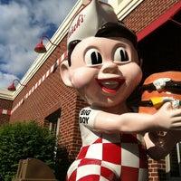 Photo taken at Frisch's Big Boy by Kathleen W. on 4/11/2012