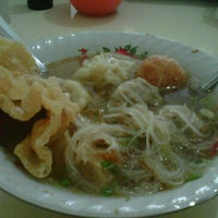 Photo taken at Bakso Malang Citra by Prima R. on 3/26/2012