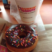 Photo taken at Dunkin Donuts by Mina K. on 7/16/2013