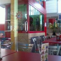 Photo taken at El Primo Pescados Fritos Y Mariscos by Ricardo T. on 3/11/2013