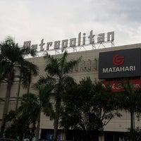 Photo taken at Mal Metropolitan by ManTman shandys N. on 3/12/2013