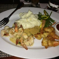 Photo taken at McCormick & Schmick's Seafood Restaurant by Mark M. on 3/20/2013