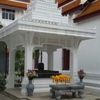 Photo taken at เทวสถาน (โบสถ์พราหมณ์) Dhevasathan (Brahmin Shrines) by Nattee น. on 3/27/2016