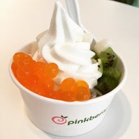 Photo taken at Pinkberry by Heather C. on 3/20/2015