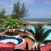 Photo taken at Miri Marriott Resort & Spa by Teck Y. on 3/22/2013