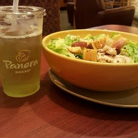 Photo taken at Panera Bread by Johanneryck V. on 8/23/2015