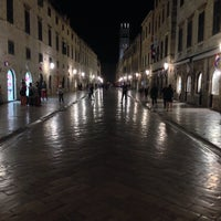 Photo taken at Stari Grad (Old Town) by Donghun H. on 10/8/2014