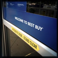 Photo taken at Best Buy by Dustin S. on 8/16/2016
