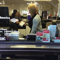 Photo taken at Bank of America by Jobina 🍹 N. on 6/13/2013