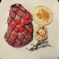 Photo taken at OUTBACK Steakhouse by Milkyway별냥공주♥ on 3/4/2016