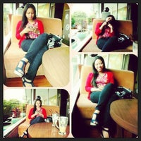 Photo taken at Coffee Toffee by Metha W. on 7/21/2013