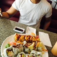 Photo taken at Young Sushi by Ysabel R. on 5/20/2016