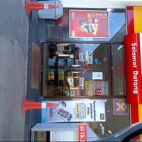 Photo taken at Shell by Hakim 4. on 2/2/2013