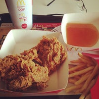 Photo taken at McDonald's by Berclub Place C. on 12/14/2012